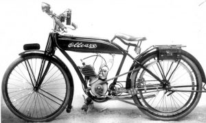 La prima bicicletta a motore Ollearo con trazione a cinghia diretta